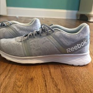 Like new Reebok tennis shoes